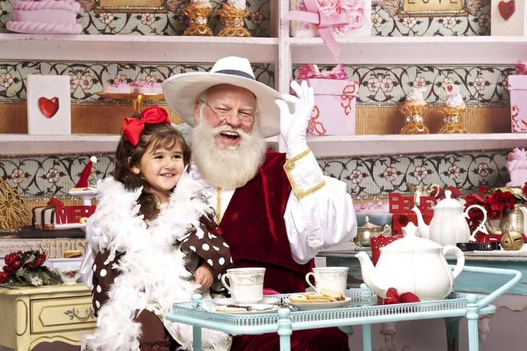 santa-mark-tea-time-photo