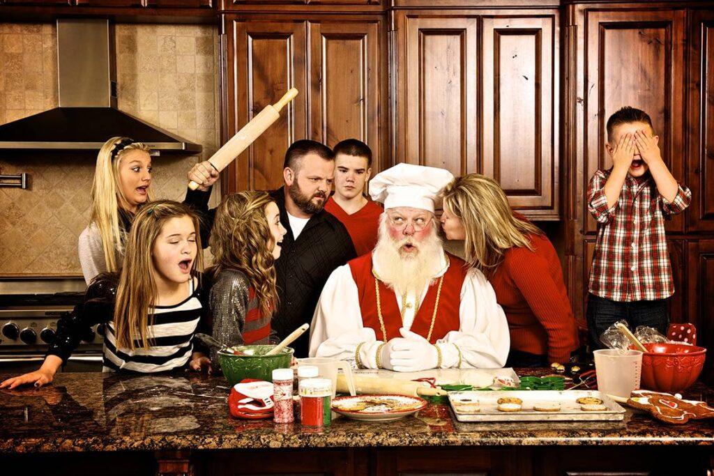 texarkana-santa-cooking-with-friends